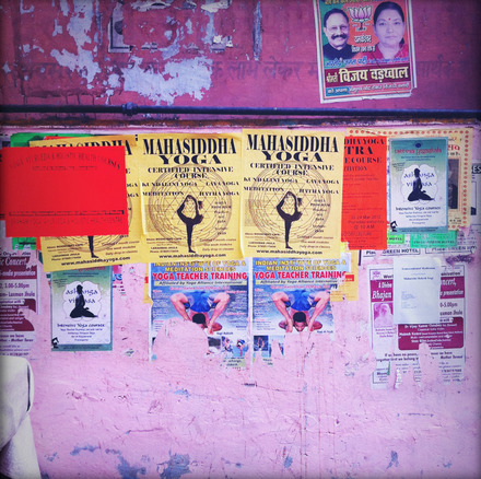 Part 2: Finding a yoga class in Rishikesh. Read one of these.