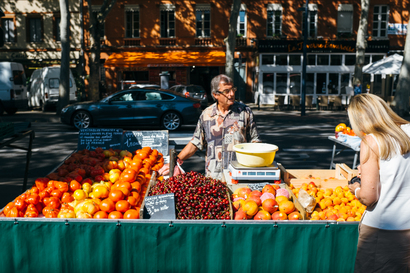 food, city, street, shopping, market, Food, fruit, portrait, vendor, toulouse, Toulouse, Victor Hugo, apricot, cherry, tomato